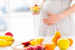 Ciąża-dieta-w-ciazy-190732805 (1)