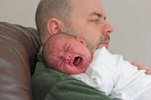 Rodzina-tata-opieka-chore-dziecko