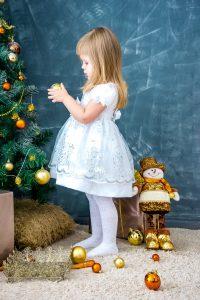 Jak ozdobić pokój dziecka na Boże Narodzenie. Porady i inspiracje